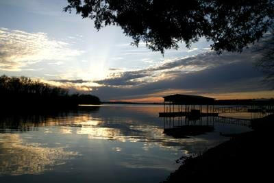 Tennessee Lake Living
