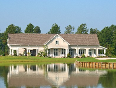 Clubhouse and waterfront at Carolina Colours in New Bern, North Carolina