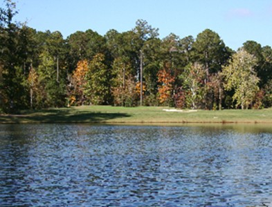 Golf course and water at Carolina Colours in New Bern, North Carolina