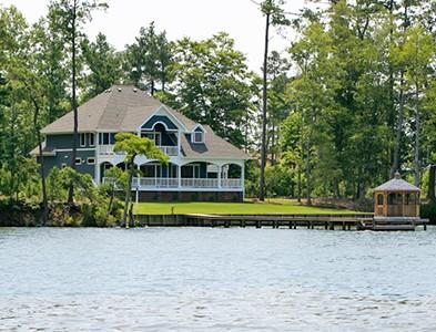 House exterior and dock at Albemarle Plantation in Hertford, North Carolina