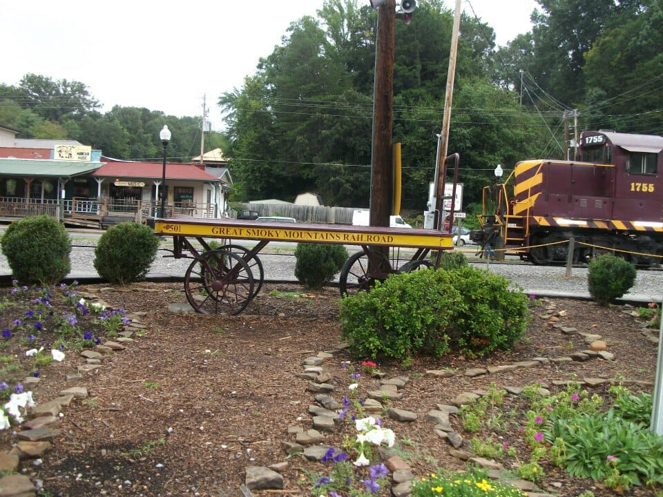 Small Town Charm | ideal-LIVING Magazinebryson city town