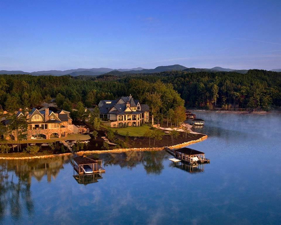 Living On A Lake : The Reserve at Lake Keowee - South Carolina Lake Living