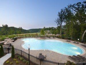 Outdoor pool_525x400