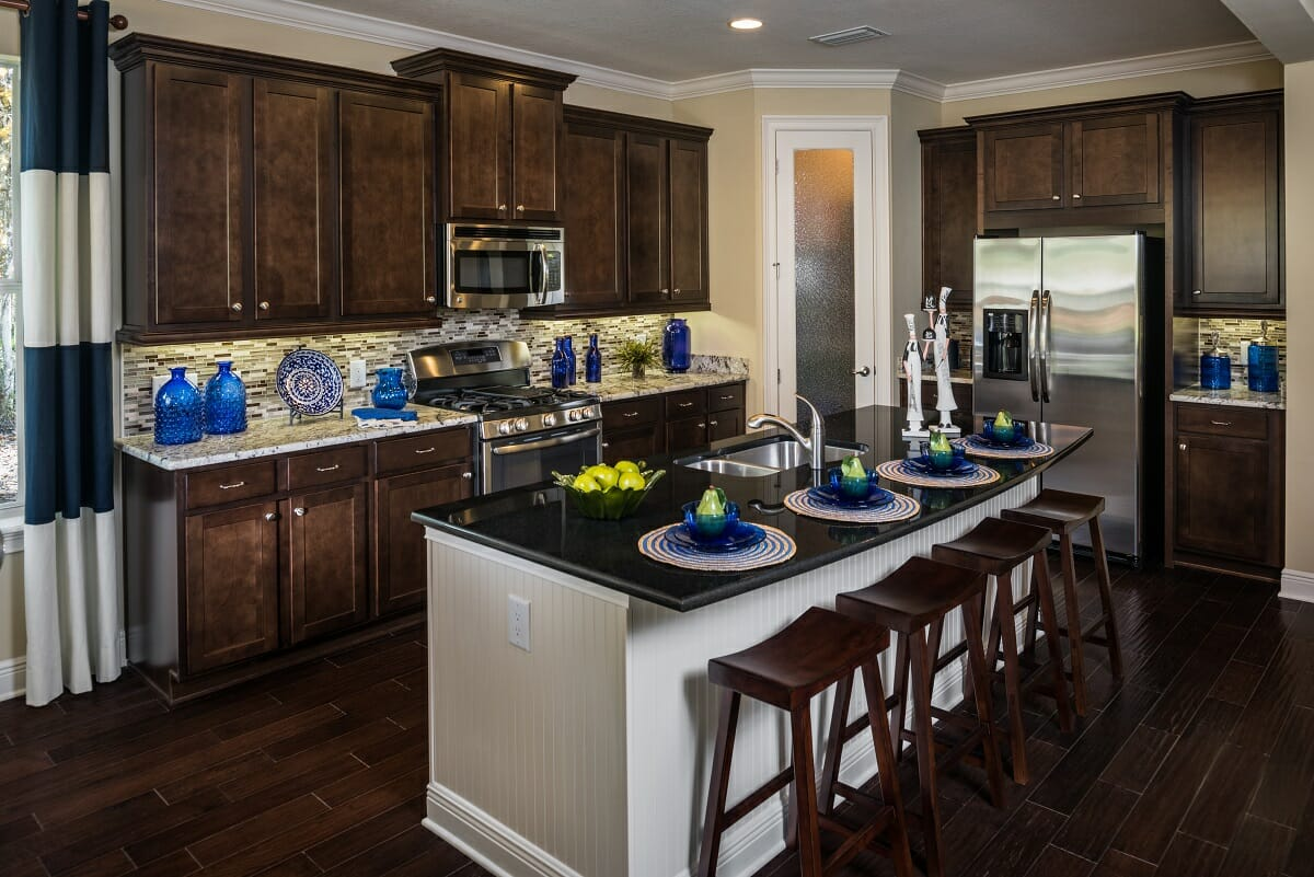 Southern hills pinemore sisler johnston interior design for Model home kitchen decor