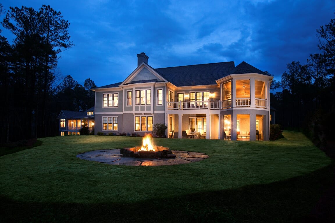 The luring qualities of reynolds on lake oconee for Camden home